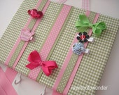 Hair Bow Holder Fabric Board . FREE SHIPPING...Green Gingham ... 4 hooks ... 2 hanging ribbons ... bows clips barrettes headbands clippies