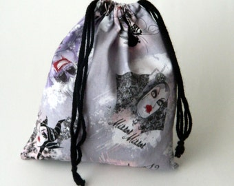 Evil Queens Drawstring Bag, children crayons bag, kids storage bag, fabric bag, traveling packing bag, reusable fabric bag, light purple bag