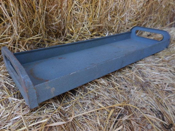 Vintage rustic industrial metal tool tote tray cottage chic for Small garden tool carrier