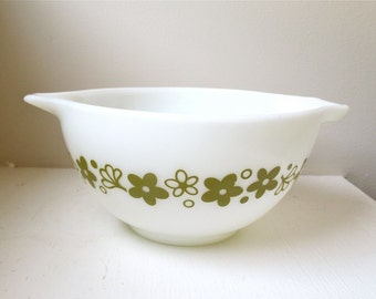 Vintage Pyrex Bowl - Olive Green - Crazy Daisy - Spring Blossom - Cinderella