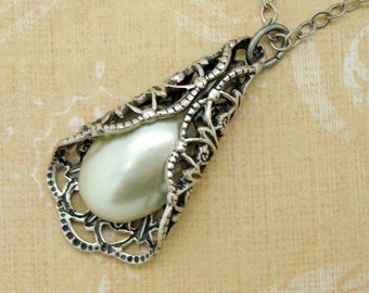 Silver Filigree Necklace with Cream Imitation Pearl Cabochon