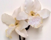 Small White Orchid Hair Clip