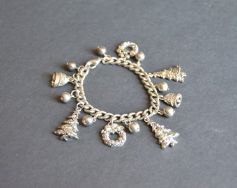 Christmas Charm Bracelet  -Vintage Jewelry Silver Christmas Tree Wreath Charms Whimsical Christmas Present Gift Hostess Noel
