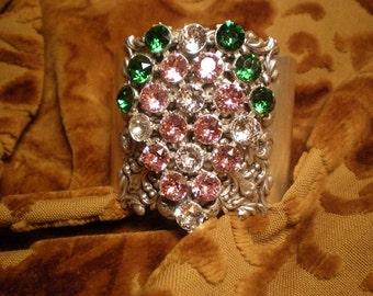1920s Antique Rhinestone Fur Clip Cuff Bracelet, Rhinestone FurClip, SilverBracelet, StatementBracelet, 8mmRhinestones, 50to75yrs, Victorian