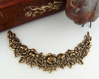 ANTIQUE BRASS * Flower Collar Swag Garland Stamping ~ Jewelry Finding (FC-8)
