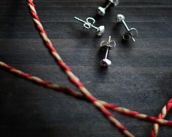 Moli - Silver Stud Earrings