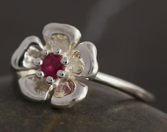 SALE - 50% off the original price - Ruby flower ring in sterling silver - Size 8 ready to ship
