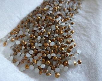 144 White Opal Glass SS10 Jewels C26