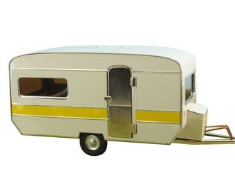 Caravan Trailer - 108-0609