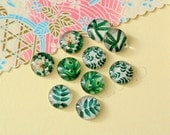 10pcs assorted green leaves round clear glass dome cabochons / Wooden earring stud12mm (12-9414)