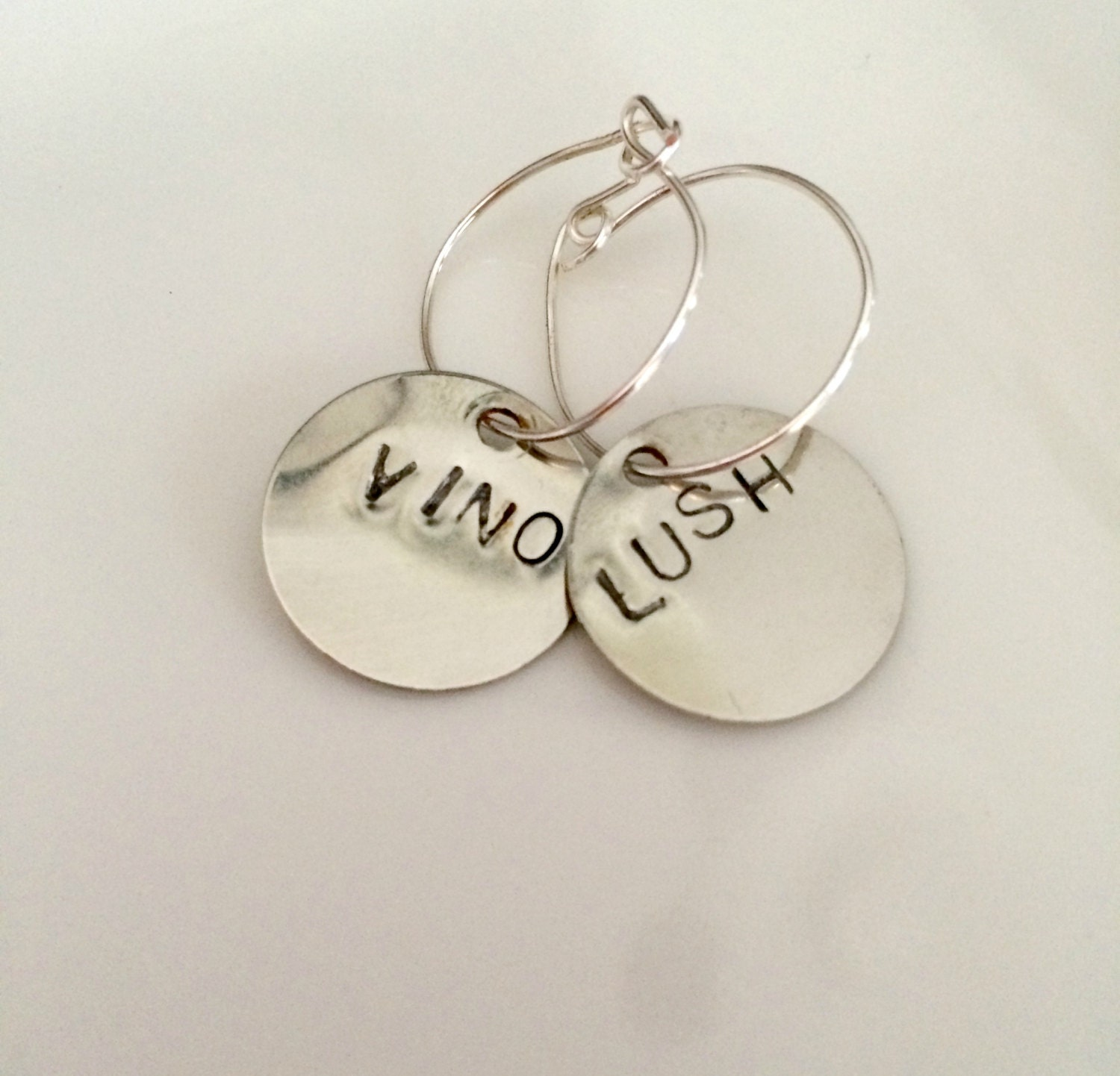silver sted personalized wine charms by thepinklocket