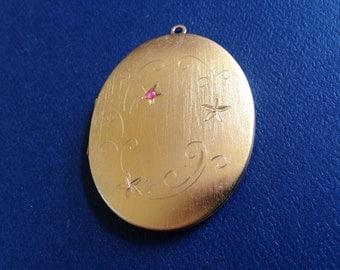 Vintage Oval Gold Locket