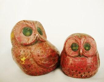 vintage owl sculpture  jaru chalkware red over gold leaf mid century figurines