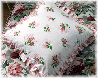 Pink Roses Pillow Cover - vintage cotton feedsack feed sack fabric - Shabby Chic and Cottage style