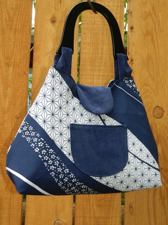 Navy Blue and White Starry Swirl Coquette Collection Retro Style Handbag with Wooden Handle and Snap Closure
