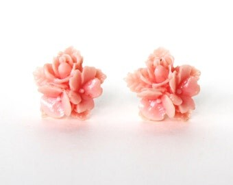 Light pink flower vintage lucite stud earrings CLEARANCE