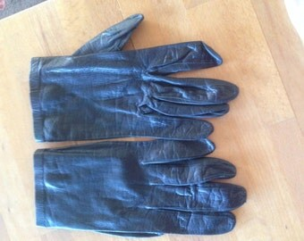 VINTAGE  LEATHER GLOVES, black,  shiny button closure, mid century