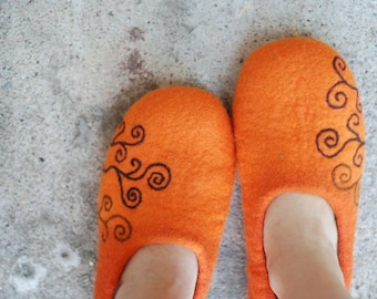 Felted  slippers made of wool orange  spiral pattern MADE TO ORDER, any color and size