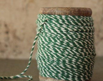 Christmas Green Striped String - 54 Yards Vintage Style Bakers Twine -  Holiday Stripe Heavy Twine - Wood Spool Striped Packaging Twine
