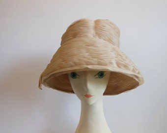 1950s hat / Billows of the Past Vintage 50's Schiaparelli Hat