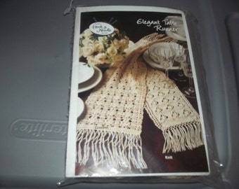 Kit to knit or crochet table runner