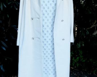 Vintage Coat, Classic Guanita 1960s/70s Coat, Creamy White Coat, Dumas, Winter White Coat, size Medium