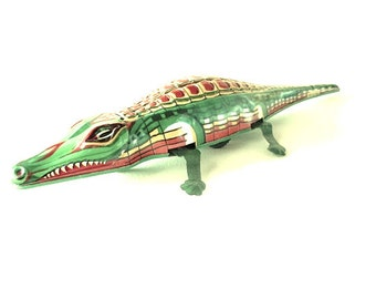 friction CROCODILE tin toy metal ALLIGATOR . mechanical toy . friction toy