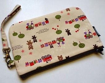 wristlet wallet - padded zipper pouch