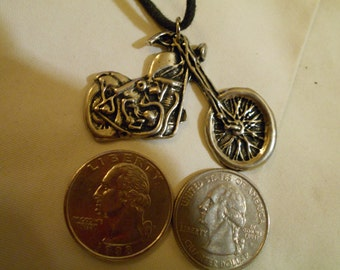 bling pewter metal motorcycle charm biker tribe wild rider dirt pimp thug gang hip hop 30 inch leather necklace jewelry
