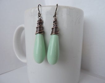 Long Vintage Acrylic Sweet Mint Green Drops