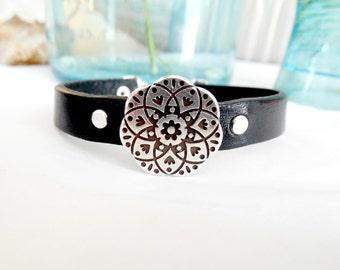 Leather Mandala Bracelet Peace Symbol Dangle Bangle Rivets Silver Black
