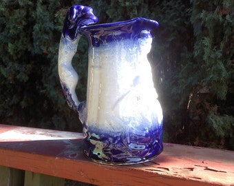FREE SHIPPING RARE flow blue pitcher vintage flowblue lady with dogs (Vault B2)