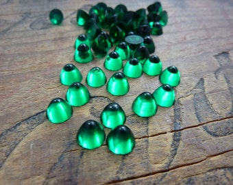 Vintage Cabochon Luminous Emerald Small Glass Cabochon 7x5mm (8)