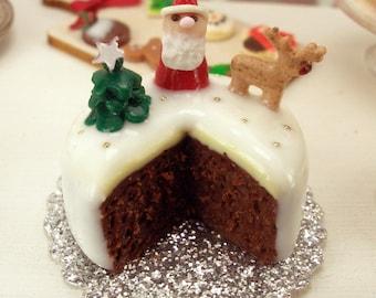 Christmas Cake - Dollhouse Miniature Accessories Handmade