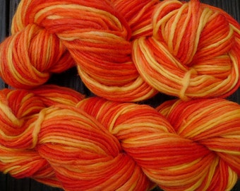 Pure wool yarn Iceland bulky weight, yellow and orange