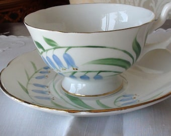 ALESBURY   Fine Bone China Tea Cup and Saucer Made in England Do it yourself Gift  On SaLe Now
