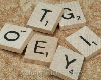25 New Scrabble Tiles (23-10-110)