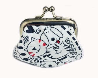 Black And White Scribbles  - Tiny Kiss Lock Metal Frame Purse