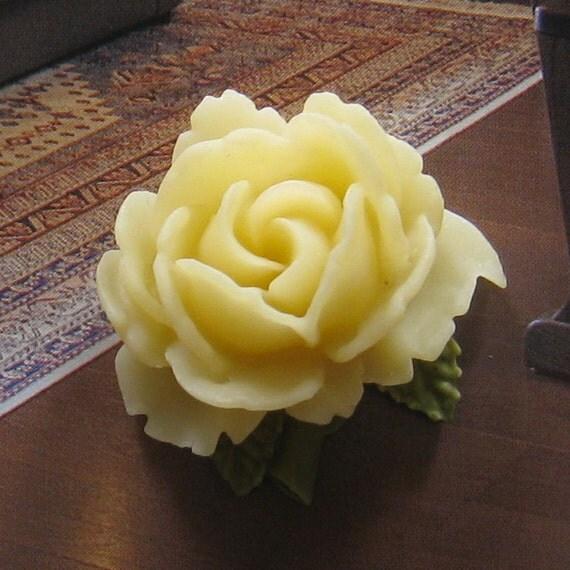 4 pcs 34mm Cream Rose Cabochon (CA815-C7)