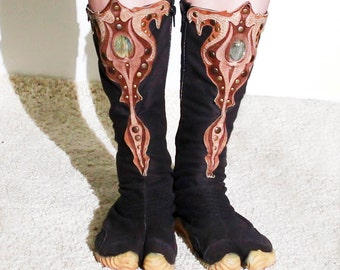 Ninja tabi shoes with custom leather art applique, any size, in black or white color.