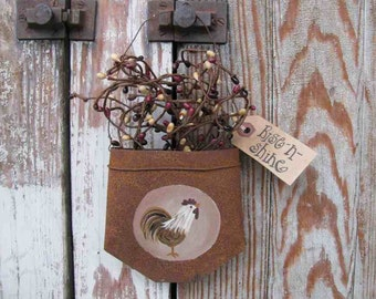 Country Primitive Rooster Hand Painted Rusty Tin Hanging Pocket GCC4549