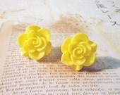 SALE - Pastel Flower Stud Earrings