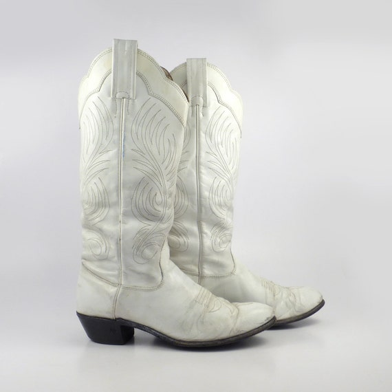 white cowboy boots vintage 1980s distressed s size 6