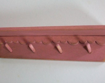 Peg Rack - pink   1:12 scale