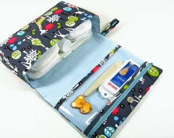 Giraffe diaper bag organizer, baby gift ideas, new parents, nappy bag, diaper clutch, baby bag, diaper purse, fold over bag