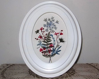 Dainty pressed floral oval in white frame ORIGINAL