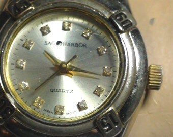 "WOMEN Sag Harbor   Quartz  WATCH Runs Great  Classic Design for small wrist 6"""