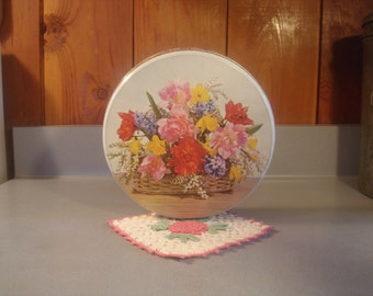Vintage Tin /Flowers/ W.R..Jacob CO. Liverpool, England   Sewing Tin