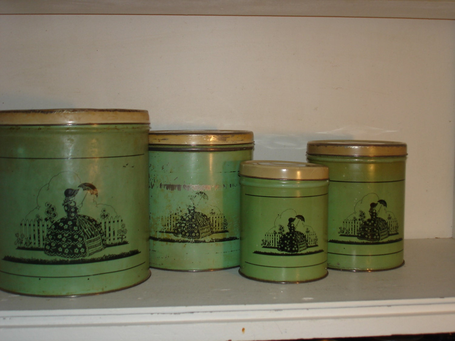 Vintage metal tin canisters retro kitchen southern belle for Retro kitchen set of 6 spice tins