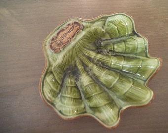 Treasure Craft SEAWORLD Souvenir Clam Shell  Dish Ashtray Made in California USA